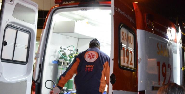 Criança de 2 anos morre atropelada após cair do carro do pai em Miravânia, MG