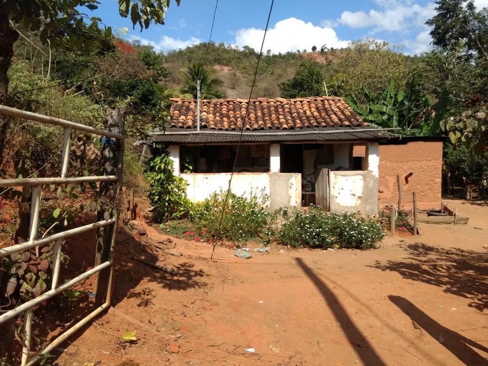 Três pessoas são assassinadas a tiros na zona rural de Virgolândia, MG